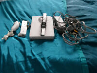 Wii (White OR Black) Package - CAN BE SEEN WORKING
