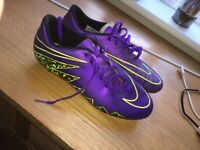 Mens size 7 football boots
