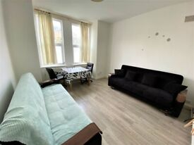 Immaculate Condition 2 Bedrooms Spacious Ground Floor Flat in Stratford --No DSS please