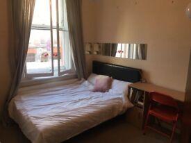 Bright double room in Bloomsbury