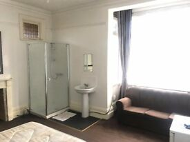 Large double room, own shower, sofa inc bills and wifi £500 PCM