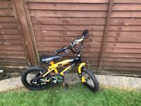 Boys bike with stabilisers for age 3-5