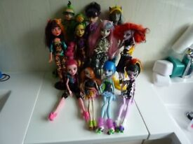 A collection of Monster High Dolls in very good condition