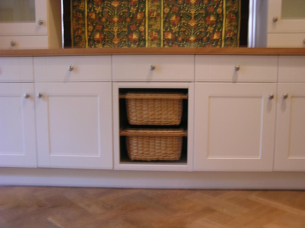 Used other kitchen for sale for sale in south west london for Kitchen cabinets gumtree