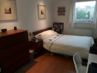 Bright Double En-Suite Room - secure parking