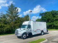 2005 International 4200 Utility Service Truck Enclosed Mechanic Shop W/ Crane
