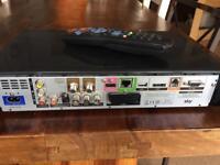 2TB Sky HD Box with remote DRX895