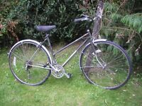 ladiers dawes shadow hybrid,20 in frame,new tyres/runs perfectly