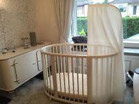 Stokke Sleepi white crib/cot package - like new