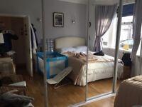 4Sliding Mirrored Wardrobe doors