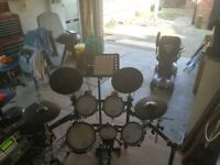 Roland TD-12 electronic drum kit with extra's