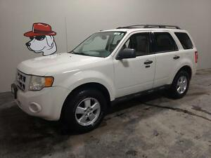 2010 Ford Escape XLT 4x4 ***FINANCING AVAILABLE***