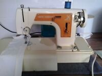 For Sale/Other Goods/Scrapbooking, Sewing,Art,Craft -Electric Sewing Machine