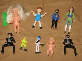 9 Small Figures
