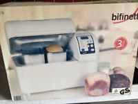 Brand new breadmaker