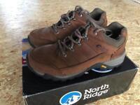 North Ridge Luxor Women's Walking Shoes - Size 5
