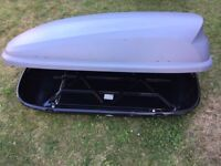 Halfords silver 400L roof box