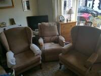 2x single chairs 1xelectric recliner
