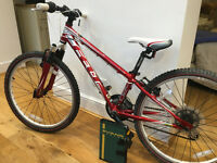 "Felt Q24 Kids Mountain Bike - 24"" Wheels . Excellent condition with manual as new. £100. rrp £299"