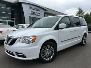 2016 Chrysler Town & Country Touring L Pwr.Sliding Doors|Heated  Peterborough Peterborough Area image 1