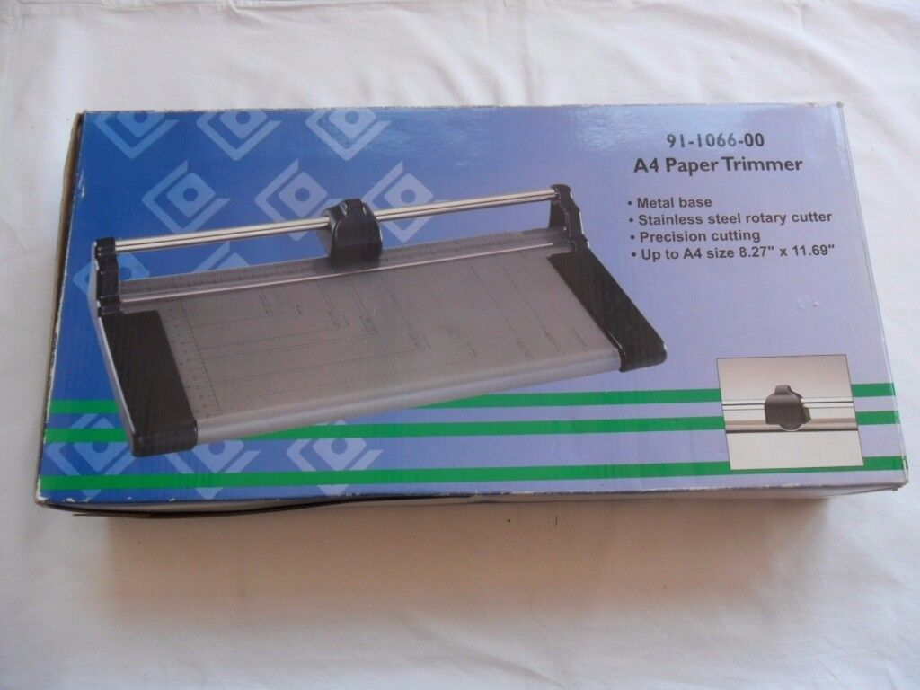 PAPER TRIMMER A4 (Boxed)