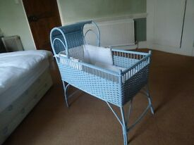 Bassinet - ideal for newborn to 4 months.
