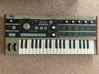 MINT MICROKORG + Microphone vocoder & carry case