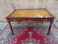FINE SUPERB REGENCY LEATHER TOP MAHOGANY INLAID CARVED LIBRARY WRITING TABLE IN V.G. CONDITION