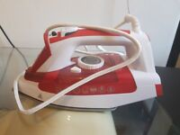 Hoover IRONjet Steam Iron, 2200W, Red & White, TIL2200001
