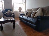 LA-Z-BOY Suite (armchair + sofa), very comfortable, easy to transport.