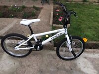 "BOYS KIDS CHILDREN BMX KOBE SPIN WHITE 20"" WHEEL SPINNING HANDLE WITH STUNT PEGS BIKE BICYCLE"