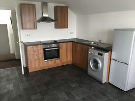 Spacious 1 bedroom top floor flat near Swansea city centre