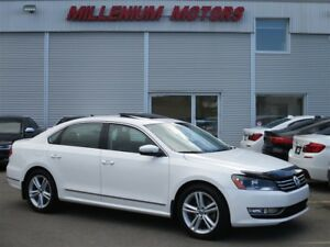 2013 Volkswagen Passat 2.0 TDI HIGHLINE / 6-SPEED / LEATHER / SU