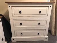Corona white chest of drawers