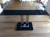 Glass dining table very good condition