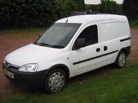 combo 13cdti van //1 previous owner ( water board)//new mot//great condition// no vat//