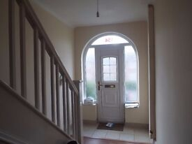 FURNISHED DOUBLE & SINGLE BEDROOMS AVAILABLE FOR RENT IN SHARED HOUSE SITUATED IN BLACKLEY