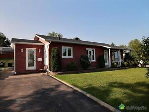 198 000$ - Bungalow à vendre à Chicoutimi Saguenay Saguenay-Lac-Saint-Jean image 1