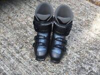 Ski Boots in black - Salomon Performa 5.0 Size 9 (with free Salomon boot bag!)
