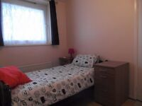 AVAILABLE NOW nice single room next to bromley by bow station 140pw all bills included