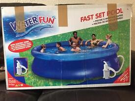Very large paddling pool with water filter pump