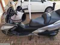 Hi selling my silverwing as got another bike .looking for 1800