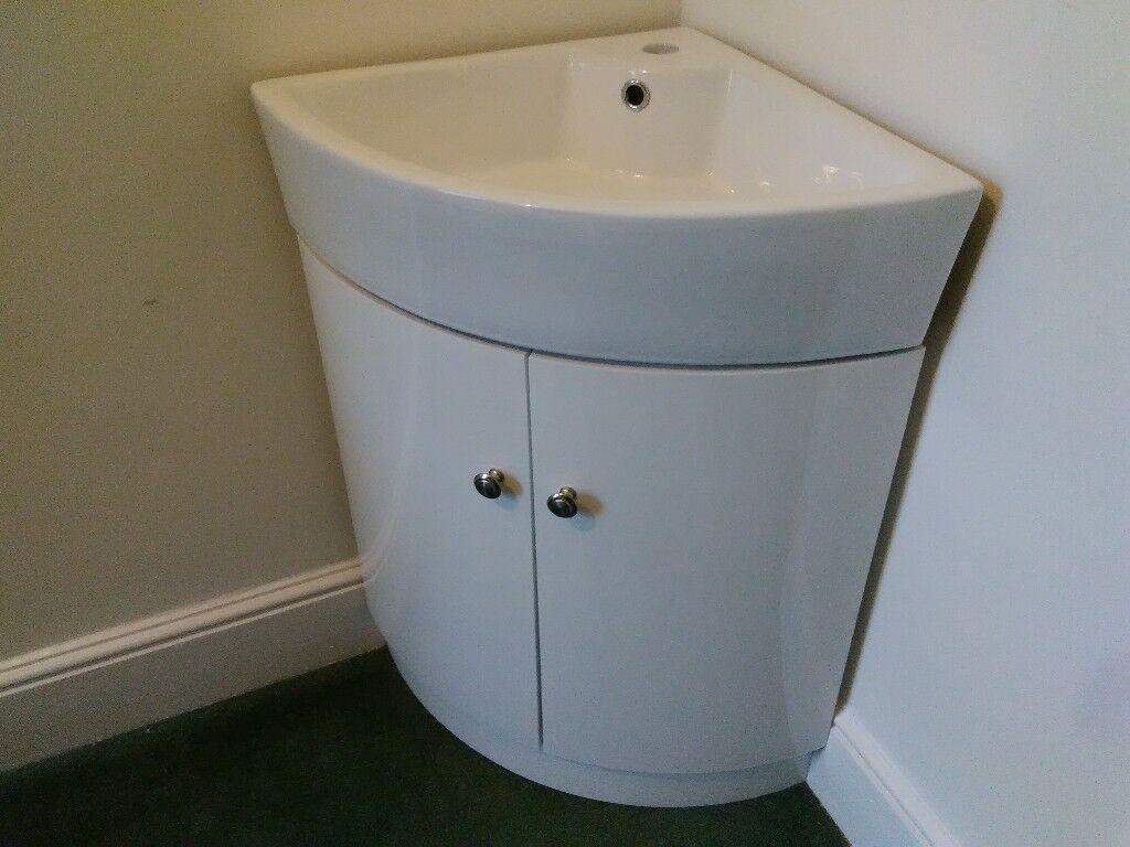 650 mm Gloss White Corner Vanity Unit with Ceramic Sink | in Torquay ...