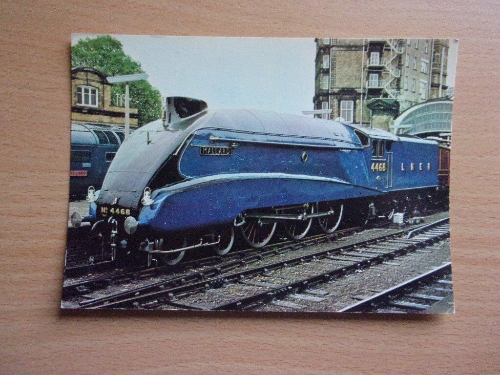 L.N.E.R. 4-6-2 CLASS A4 NO. 4468 [MALLARD]. VERY GOOD CONDITION POSTCARD.
