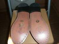 Pear of leather men's shoes leather uppers and soles designed in Italy