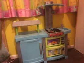 Play kitchen with loads of accessories