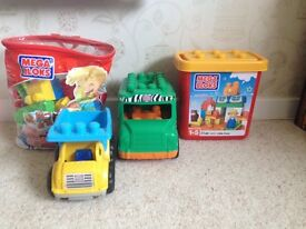 Mega Bloks Bundle (96 pieces) with Safari vehicle, dumper truck and 5 characters