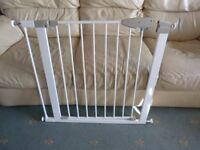 Lindam Pressure Fit Stair Gate including extender