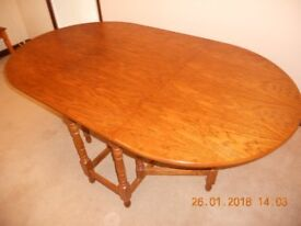 Table Drop leaf gateleg design. Ideal for folding away to save space