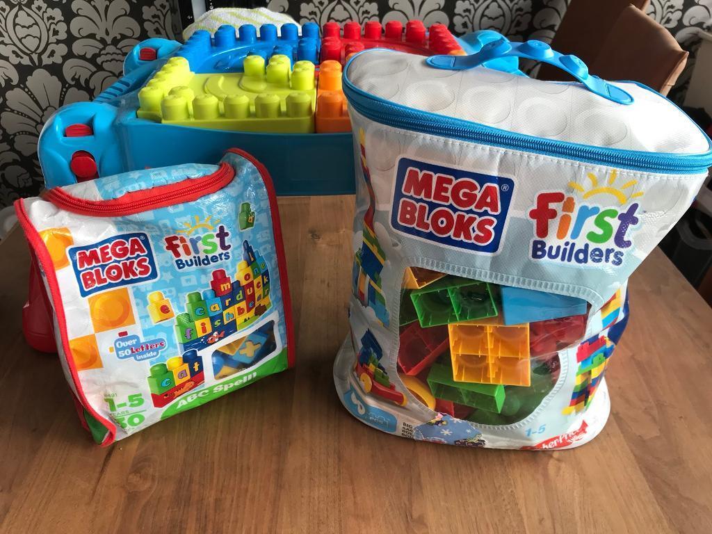 Mega Bloks and building table